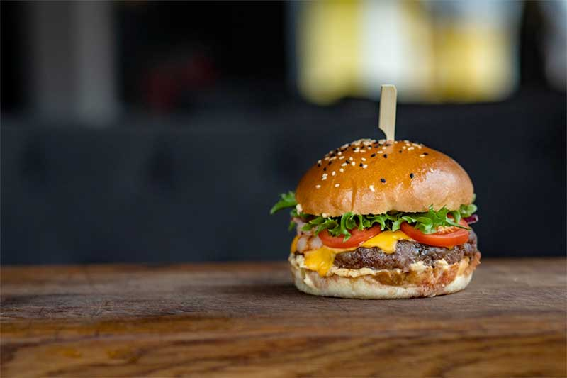 jose mier's iconic American dish: the cheeseburger